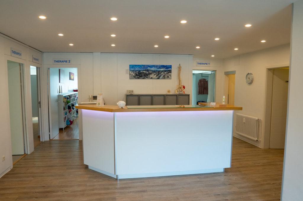 Eingangsbereich Empfang Osteopathie Ludwigshafen Dr Ackermann